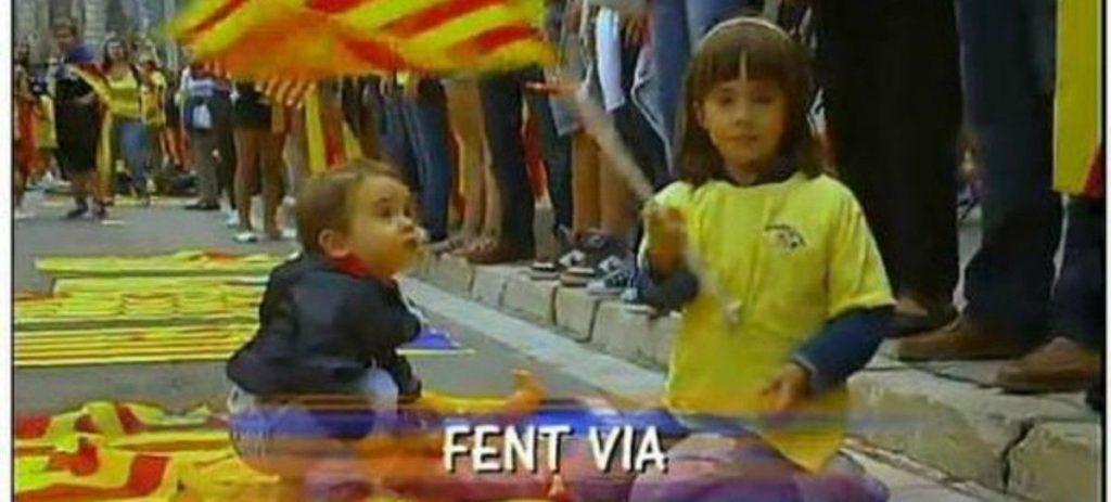 El Gobierno investiga el 'adoctrinamiento' de niños en Cataluña para apoyar el separatismo