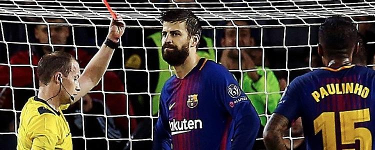 Piqué, expulsado por marcar gol con la mano