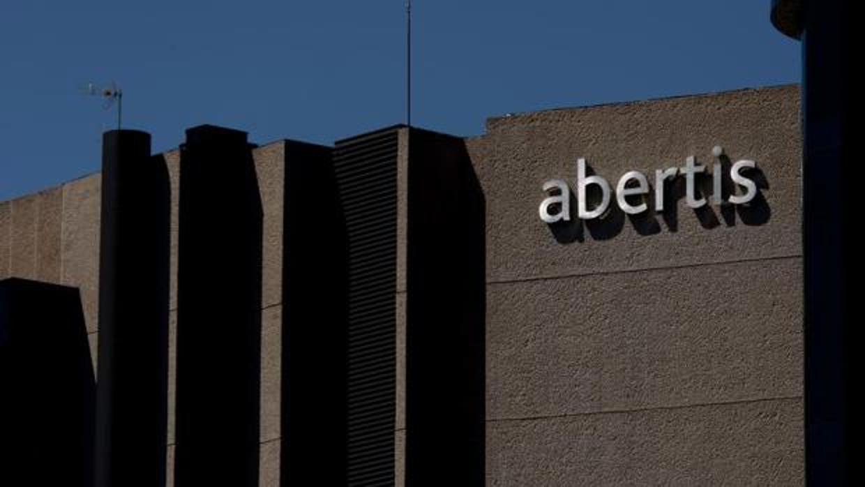 Abertis vende el 4,1% de Cellnex para eludir la opa de Edizione