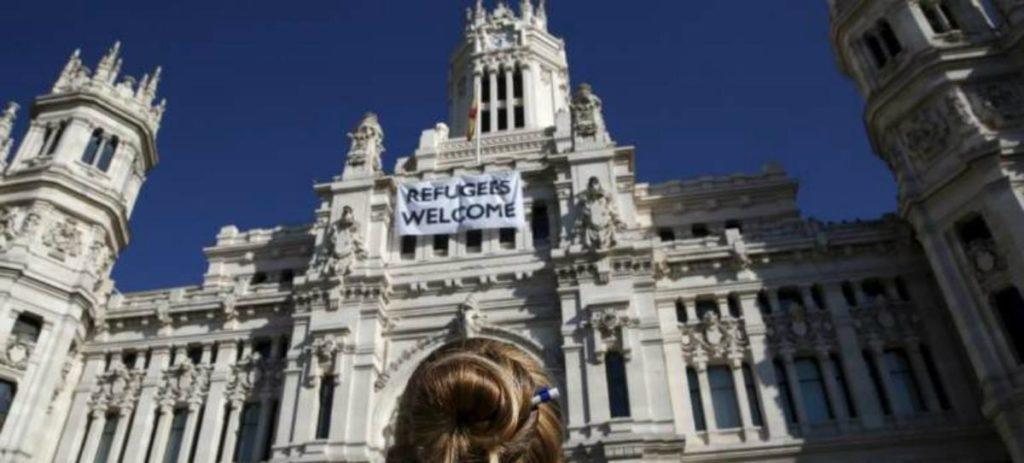 A menos de 24 horas Carmena sigue sin colgar la bandera de España en el Ayuntamiento