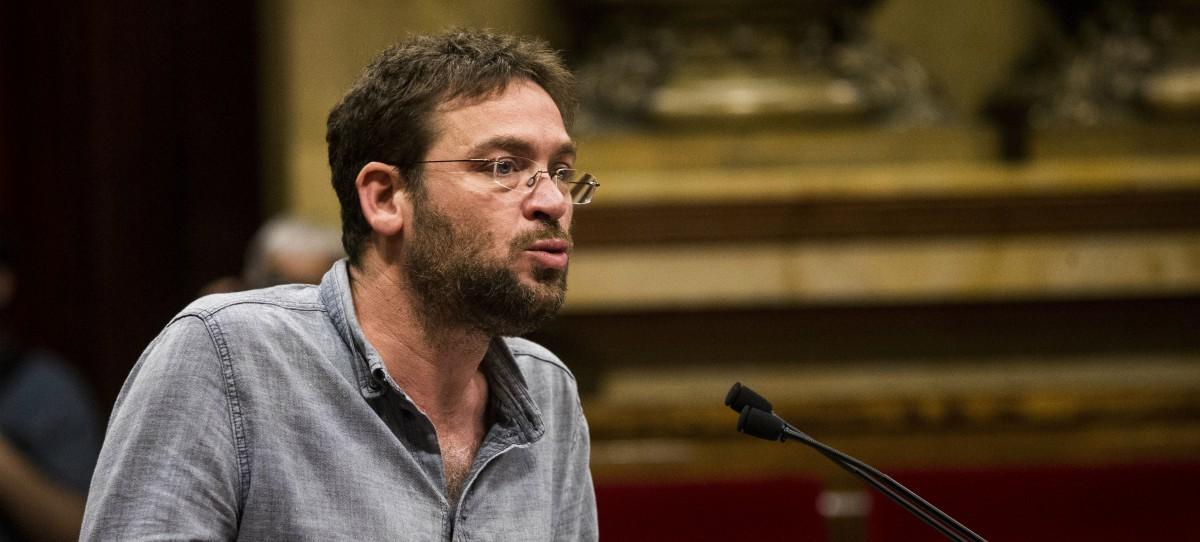 Dante Fachin dimite como secretario general de Podemos Cataluña y registra un nuevo partido