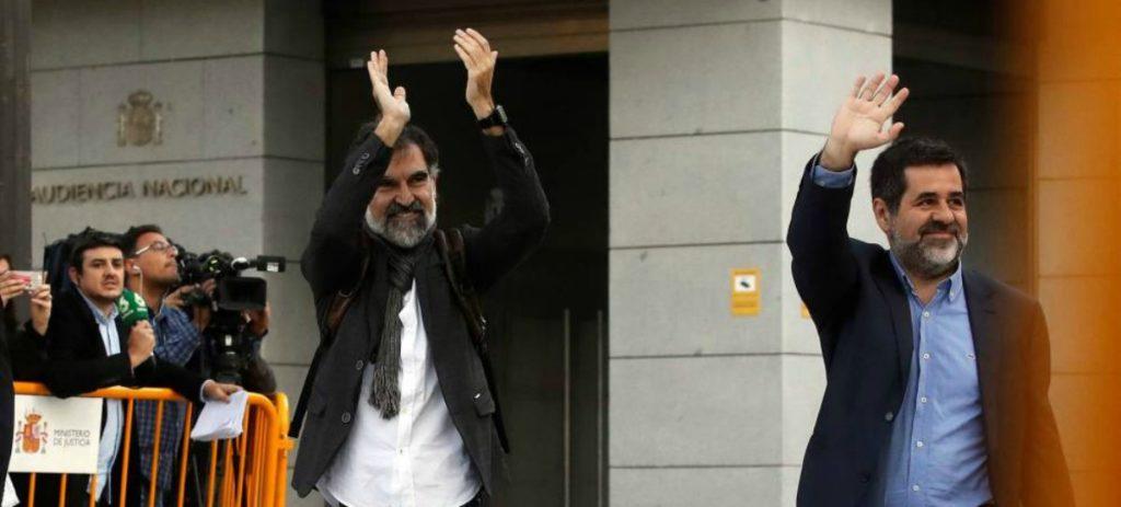 Los independentistas se encierran en celdas gigantes en solidaridad con los 'presos políticos'