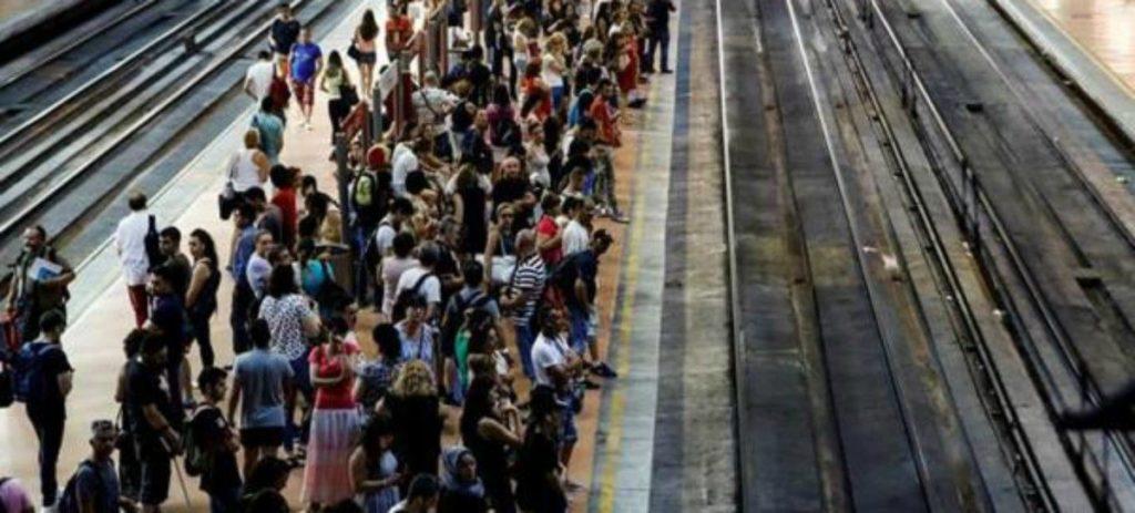 La Semana Santa, refuerzos y paros en el transporte de viajeros