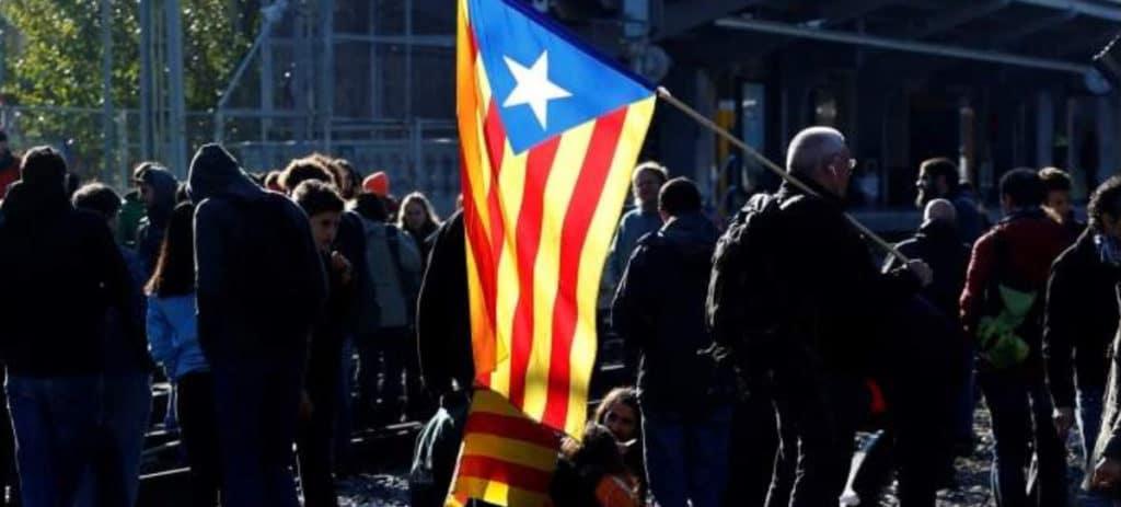 El desafío independentista se carga 400 empleos de Decathlon y Agrolab en Cataluña