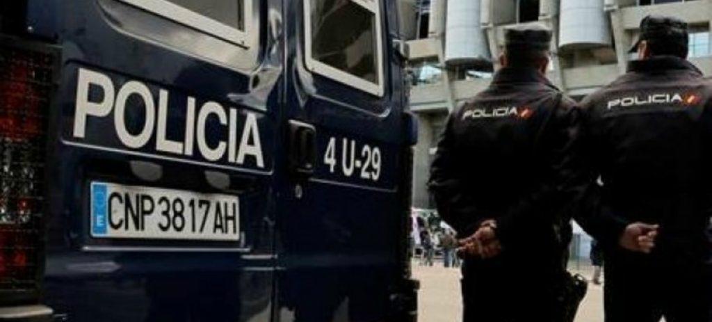Dos peruanos que regentan una ONG española, detenidos por vender lotes del Banco de Alimentos a personas necesitadas
