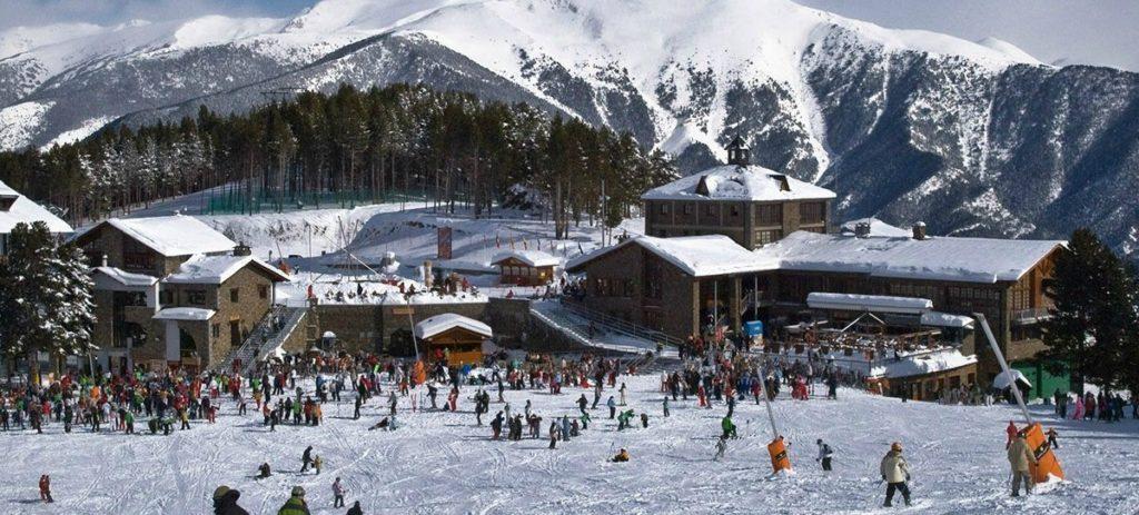 Estaciones de Esquí: ¿Cuánto cuesta pasar un día en la nieve?