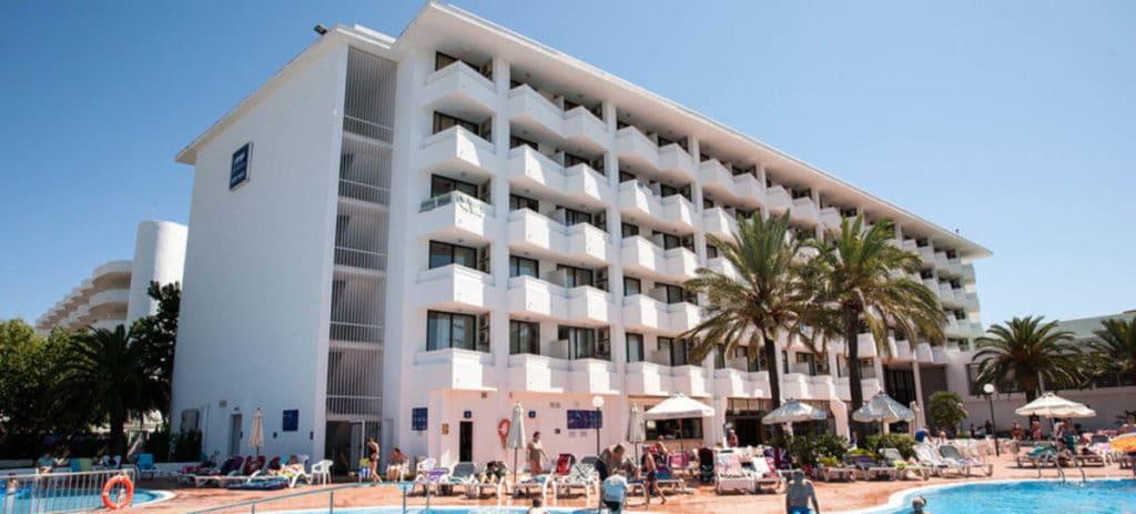 Hispania se refuerza en Baleares y Canarias tras comprar 7 hoteles