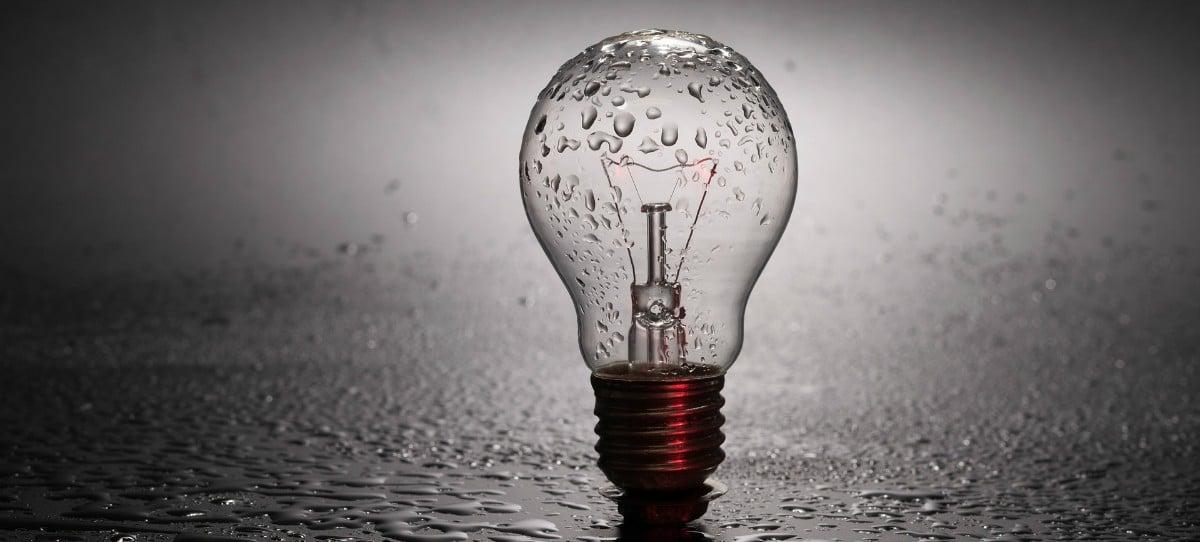 La AEAG afirma que el precio de la luz será en 2018 el segundo más caro de la historia tras el récord de 1998