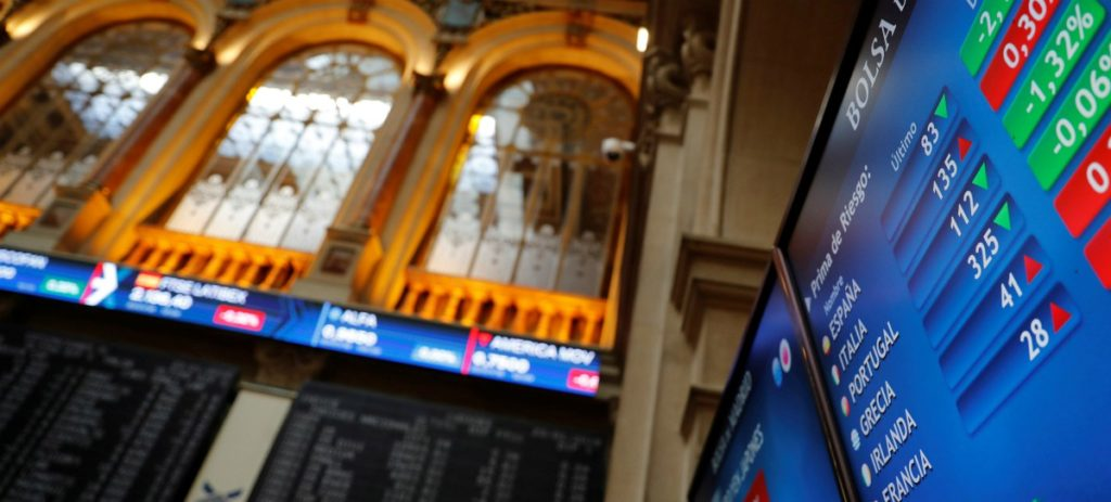 Telefónica impulsa el Ibex 35 que sube al cierre el 0,41 % y el 1,6 % semanal