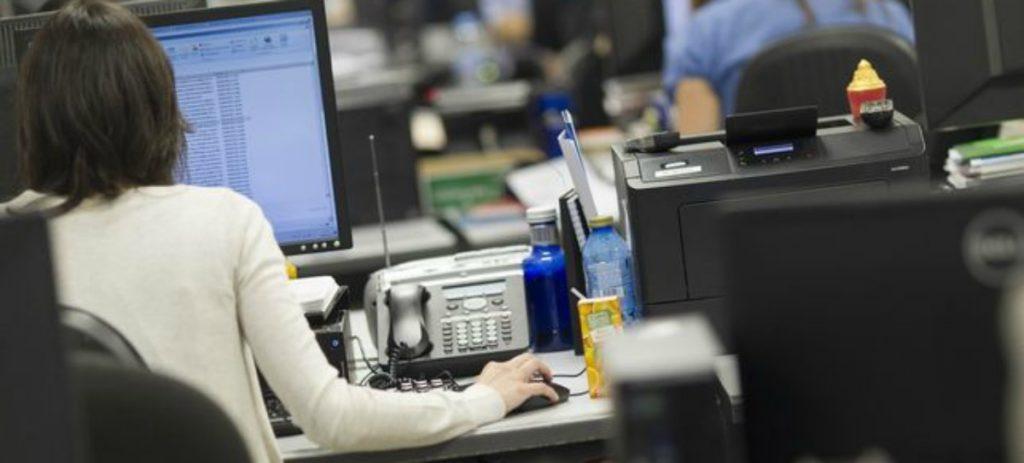 La diferencia salarial entre funcionarios y sector privado roza los 1.000 euros al mes