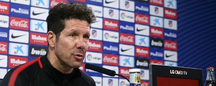 """Dardo de Simeone a los representantes de sus jugadores: """"Ayudan poco"""""""