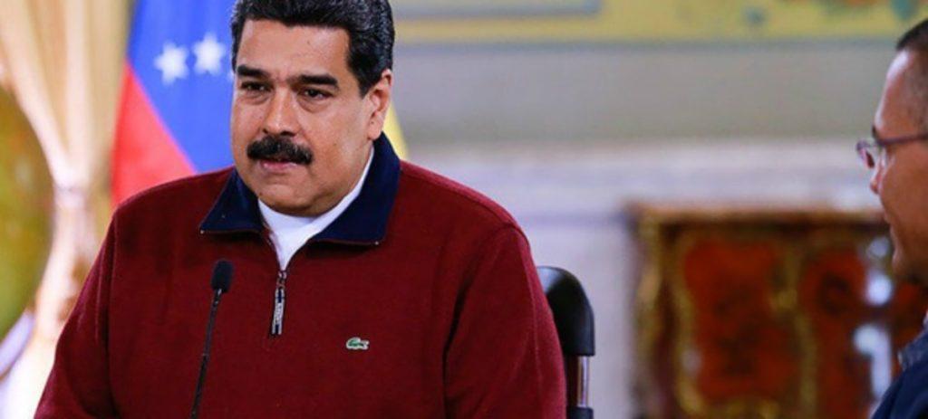 Mientras Venezuela sufre hambre, Maduro viste un abrigo que cuesta 147 salarios mínimos