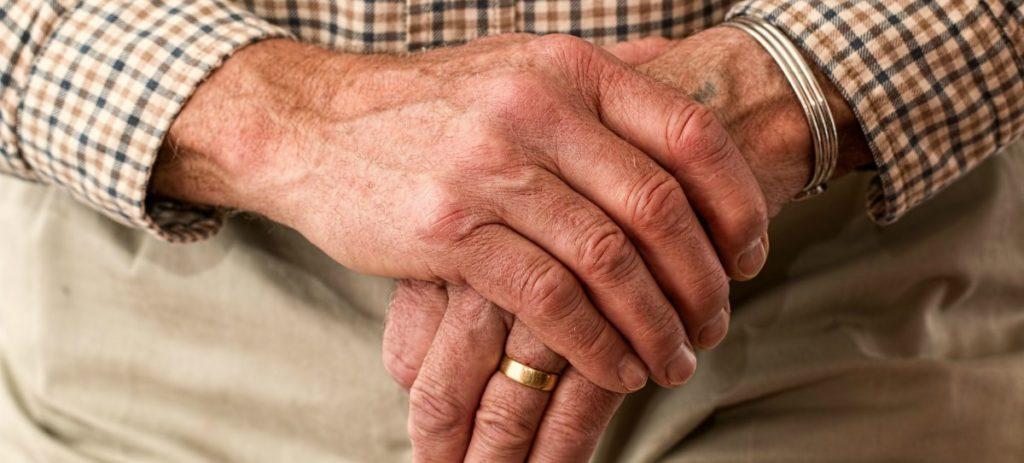 AFI: Los pensionistas perderán 350 euros al mes por las últimas reformas