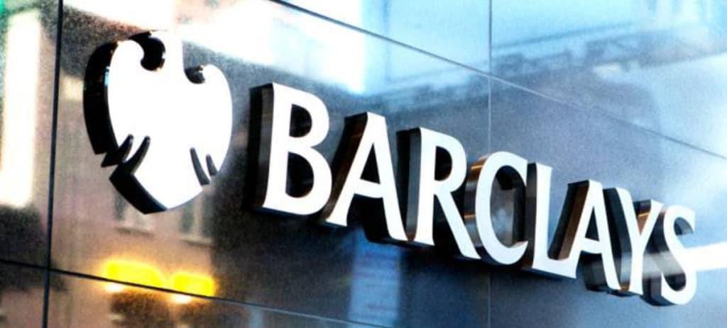 Más de 1.000 millones de multa a los carteles bancarios de divisas 'Banana Split para tres' y 'Essex Express'