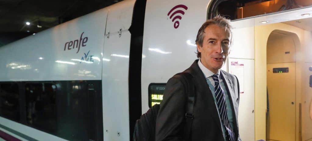 Fomento trabaja para llevar el AVE al aeropuerto de Madrid-Barajas