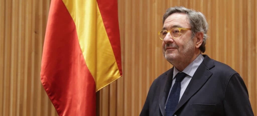 Serra se escuda en el BdE para justificar su sobresueldo en plena crisis de CatalunyaCaixa