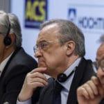 El presidente de ACS, Florentino Pérez (c), el consejero delegado de Atlantia, Giovanni Castelluci (i), y el presidente de Hochtief, Marcelino Fernández Verdes (d)