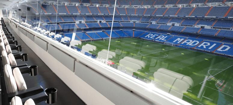 El exfutbolista que estafó a 774 inversores gastó 84.000 euros en un palco del Real Madrid