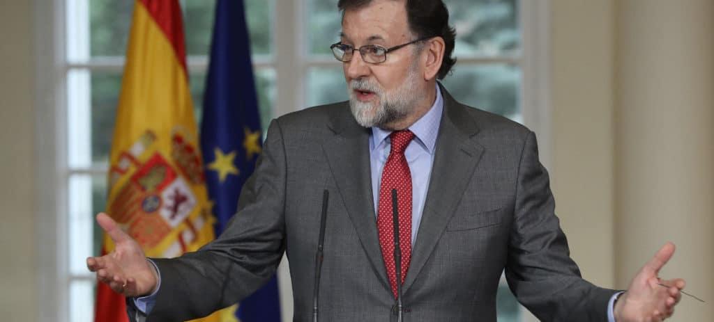 Memes por el tuit de Rajoy tras la renuncia de Puigdemont