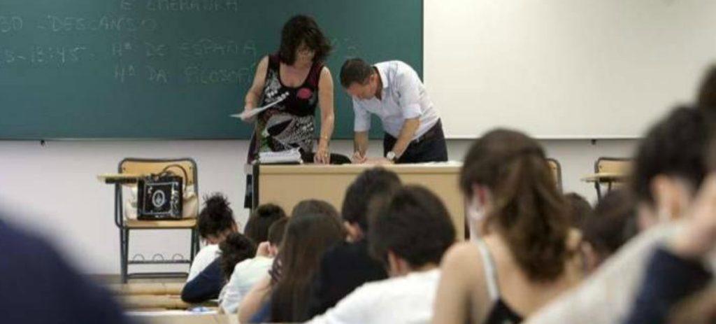 Cómo se eligen los libros de texto en cada centro educativo
