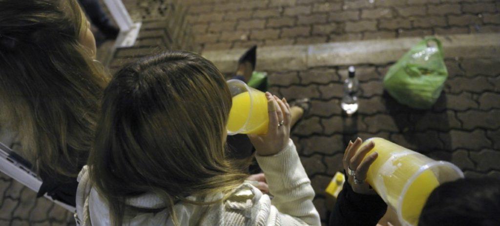 La futura Ley del alcohol sancionará a los padres de los menores que beban