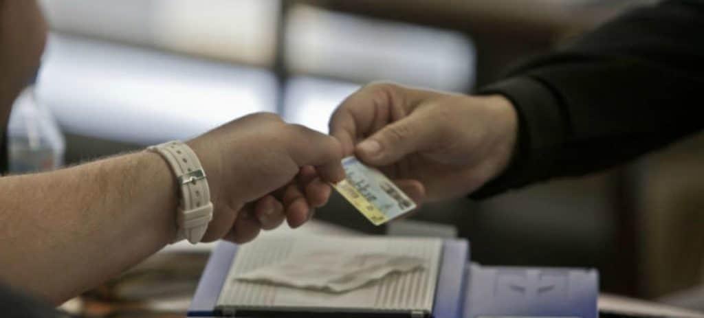 El Estado gana 112 millones de euros con la expedición del DNI y el pasaporte