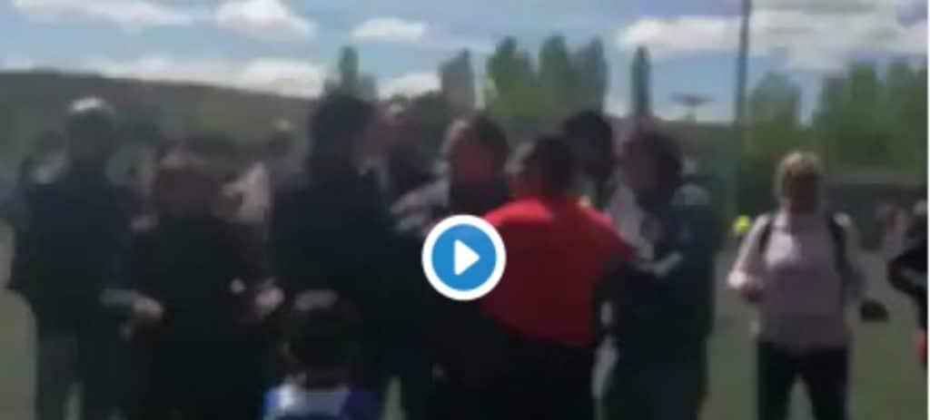 Brutal pelea entre padres de pre-benjamines en un partido de fútbol en Arévalo
