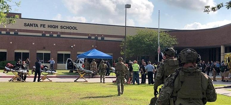 Confirman entre ocho y diez muertos en el tiroteo en una escuela de Texas