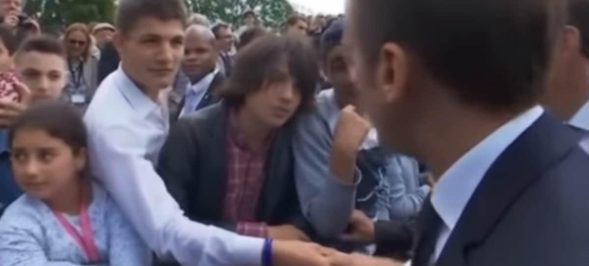 La lección de Macron a un estudiante maleducado