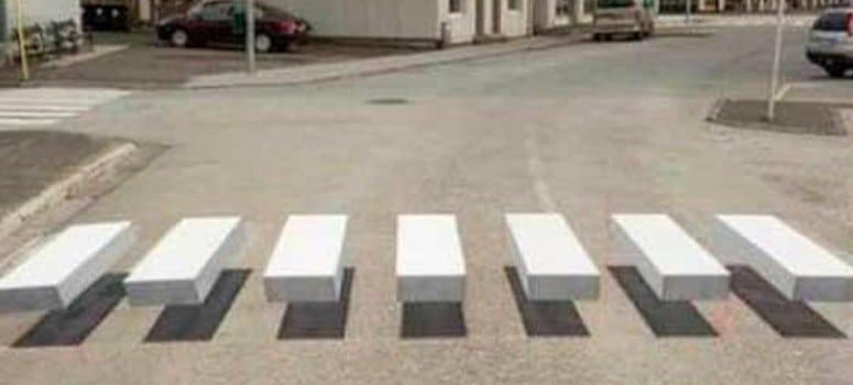 Llega a España el primer paso de peatones en 3D que obliga al conductor a frenar