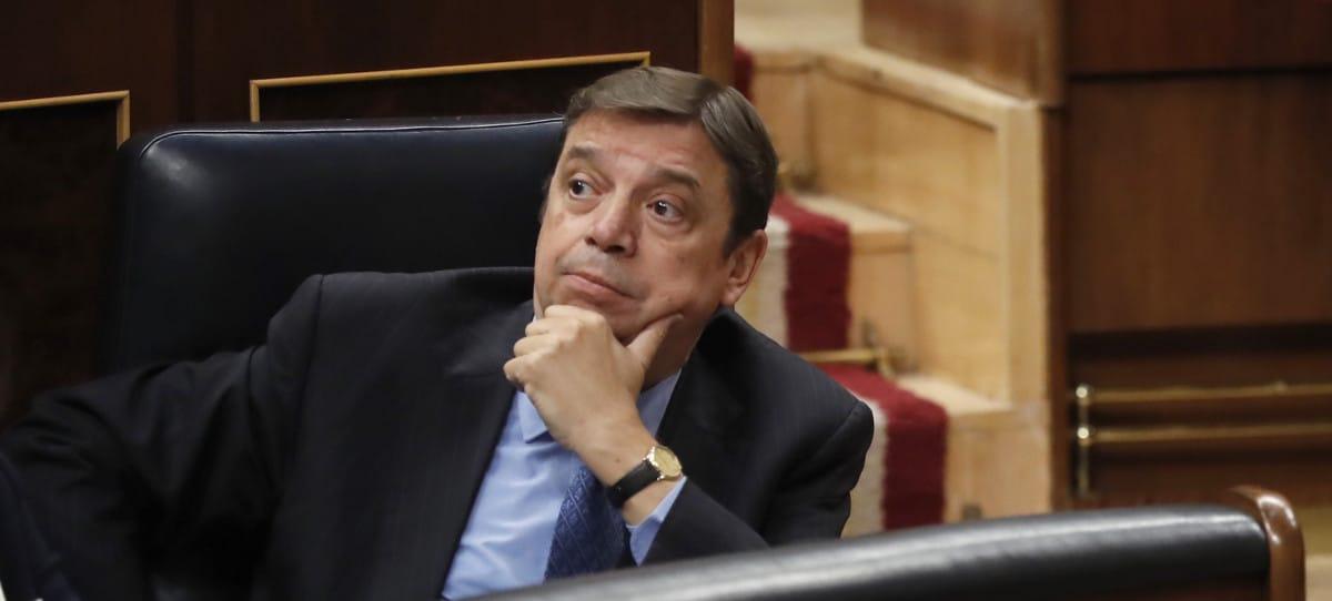 El imputado Luis Planas pone el foco en la venta a pérdidas pese a estar permitida