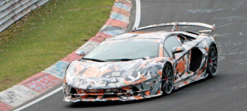 El nuevo Lamborghini Aventador SVJ bate el récord de vuelta rápida en Nürburgring