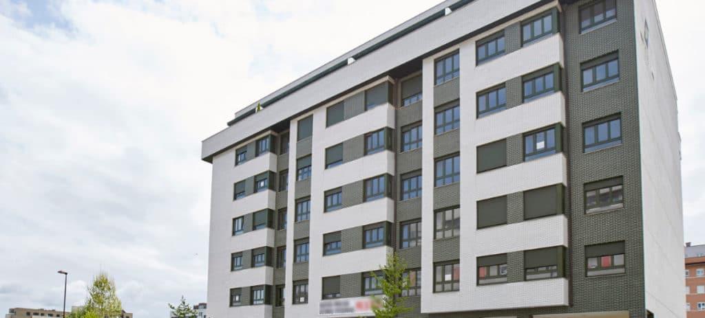 Sareb lanza sus rebajas de verano: 4.200 apartamentos desde 40.000 euros