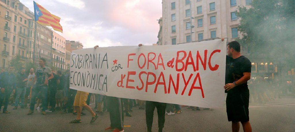 Torra alienta la violencia en las calles de Cataluña tras un año de éxodo empresarial