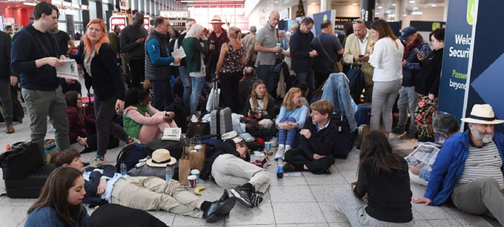 Caos en el aeropuerto de Gatwick por la presencia de drones en la pista