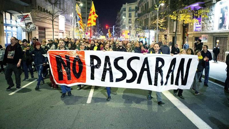 Continúa la violencia separatista: los CDR cortan la AP-7