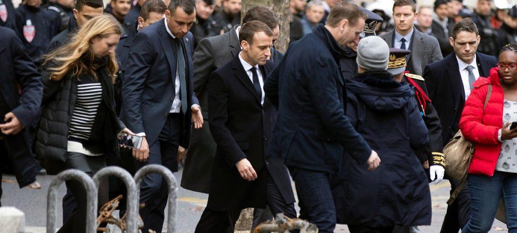 Macron claudica en la subida del carburante pero no logra acallar la protesta