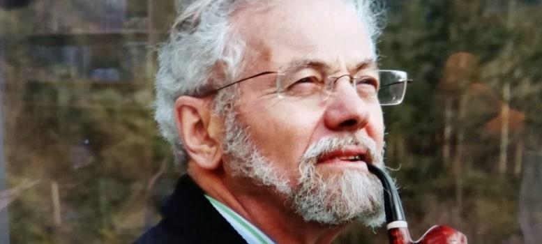 Enrique Martínez: '3.000 euros al mes por chico acogido, no beneficia a su familia, sino a la que interviene en nombre del Estado'