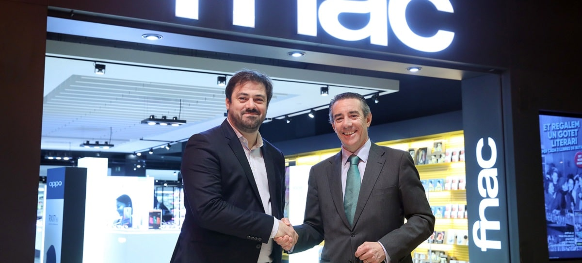 CaixaBank y Fnac firman por primera vez una 'joint venture'