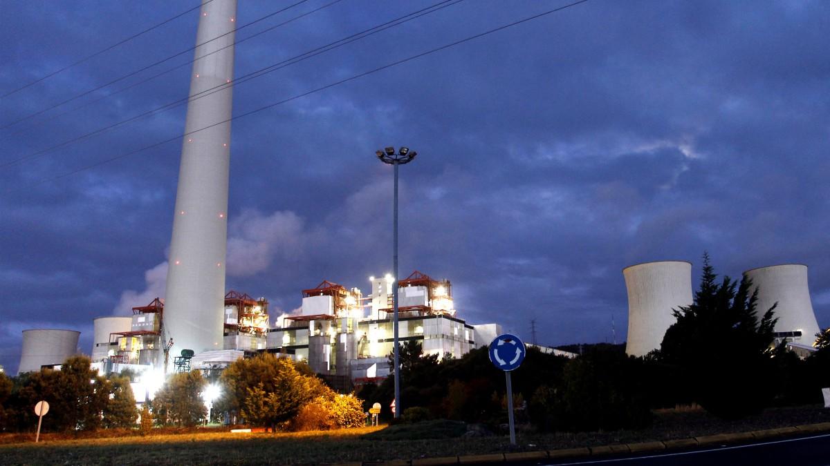La Xunta urge a Endesa a concretar alternativas en la planta de As Pontes