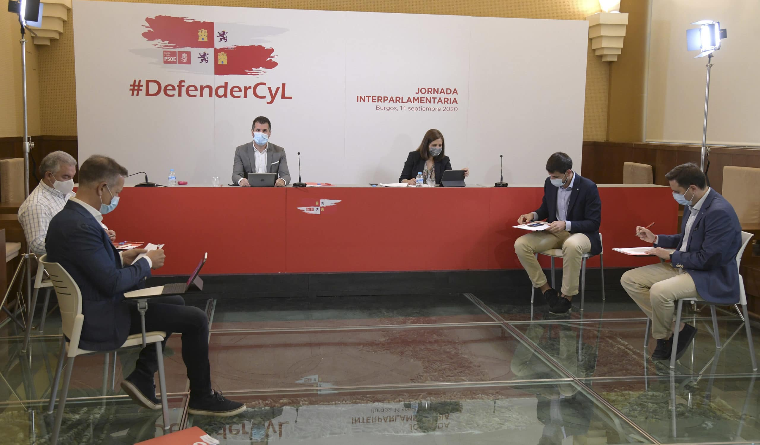 Tudanca pide explicaciones a Mañueco por su asesor Ignacio Cosidó
