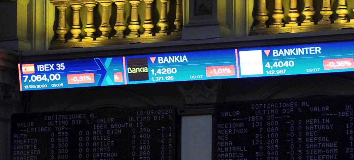 S&P estudia elevar la nota de Bankia tras el anuncio de fusión con CaixaBank