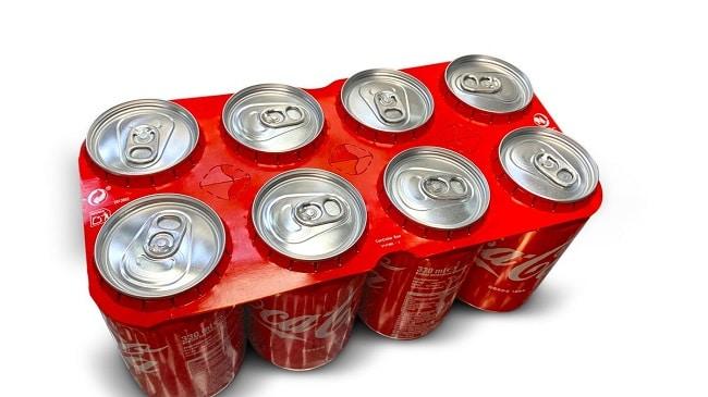 Cola-Cola comienza la producción de latas con agrupadores de cartón